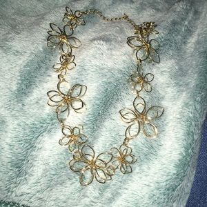 Jewelry - Gold Flower Necklace